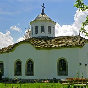 Църквата на Новоселския манастир Св. Троица