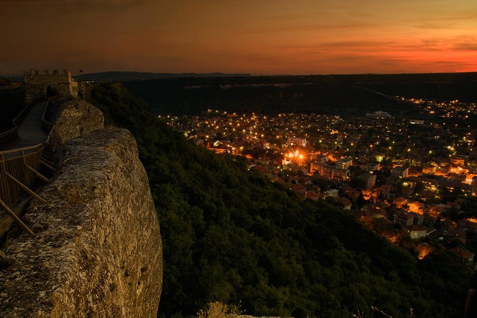 Поглед от крепостта Овеч