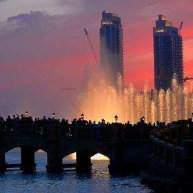 Дубай, фонтаните пред Бурж Дубай