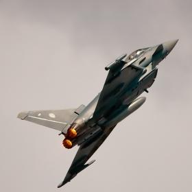 Още един фрагмент от участието на Eurofighter EF-2000 Typhoon S - Germany - Air Force - един от участниците в авиошоуто посветено на 100 години ВВС на РБългария