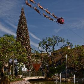 Коледната украса в LA