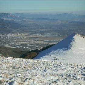 На границата (между Северна и Южна България) - Поглед от връх Исполин, 02. 01. 2012