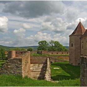 Крепостта Făgăraş (ХІV-ХVІІ в.)