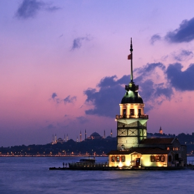 Стамбул града след залез