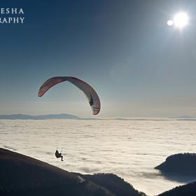 Реене над морето от облаци