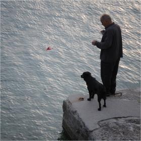 старецът и кучЕто ...
