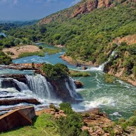 Водопади след стената на Крокодилската река в RSA