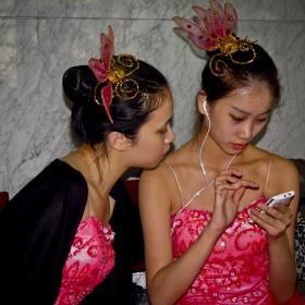 Две Шанхайски феи в борба с новите технологии!