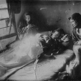 Прощаване. Снимката е правена около 1880 г.показваща смъртта на моя пра-пра дядо.