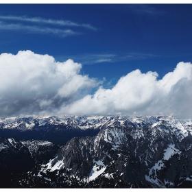 Границата...(върхове и облаци)