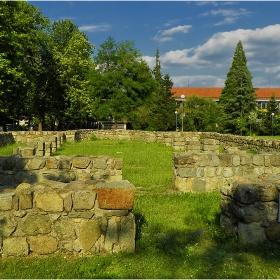 Руините на Хисарската базилика (V в. от н.е.)!