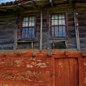 Фрагмент от странджанска къща