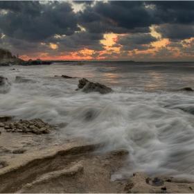 Утро, с дъх на море