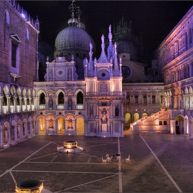 Il cortile del Palazzo Dukale – Вътрешния двор на Двореца на Дожите