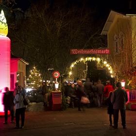 Входа на Коледния базар в Бад Мюнстер ам Щайн