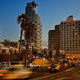 По улиците на Тел Авив
