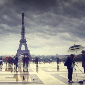 И пак... под дъждовното небе на Париж