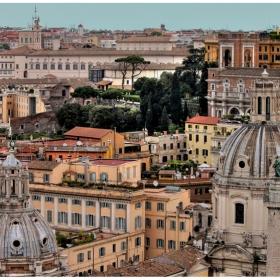 Над покривите на Рим (2)