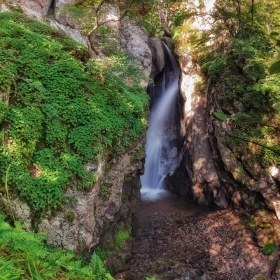 Първи фотински водопад