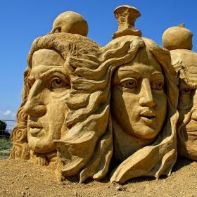Пясъчни фигури, 2013