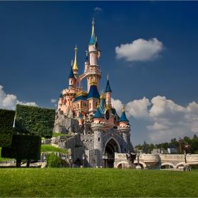 Замъкът на спящата красавица