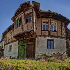 Старата къща разказва