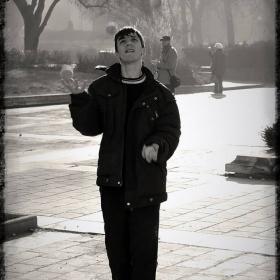 Самотният жонгльор