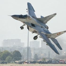 Зрелищно излитане и страхотен пилотаж на командващия Военновъздушните сили на България генерал-майор Румен Радев, 11.10.2014 г., летище София