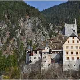 Замък Fernstein (ХІІІ в)