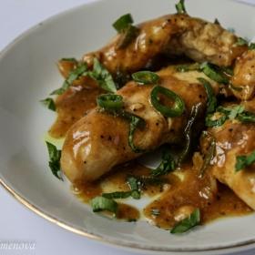 Пилешко бонфиле със сладко-кисел-меден лютив сос