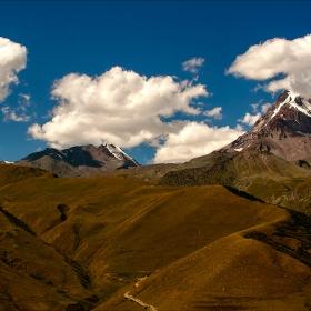 Ходене и незабравям фотоапаратчето. Kazbegi Kazbek  mountain 5033 m, н. в.