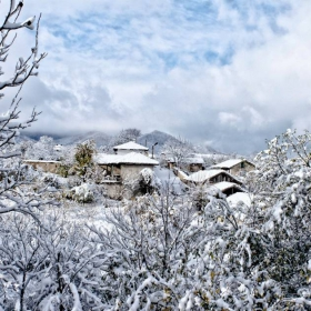 Снежна панорама в село Драгоево