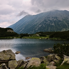 Край Хвойнатото езеро
