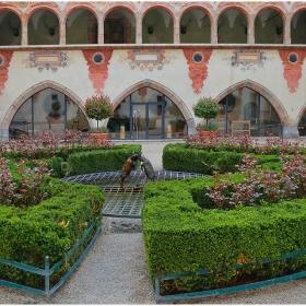 Вътрешният двор на замък Tratzberg