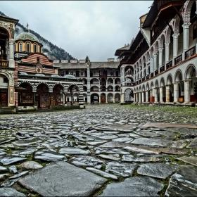 Рилски манастир-Един нетрадиционен поглед