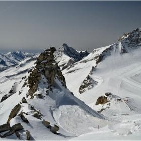Една скална игла, достоен конкурент на местния първенец Olperer (3476 м)