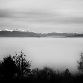 Мъгливо :)