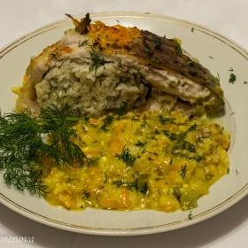 Шаран с ориз и кисели краставички със сос от горчица и моркови - напречен разрез