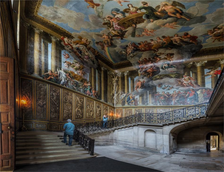 The lounge - панорама от 15 вертикални кадъра в три редици и един...клониран досадник :)