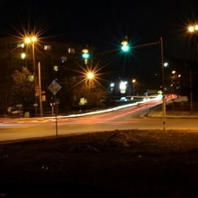 Плевен през нощта