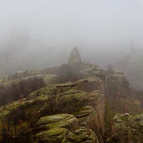 Мистичните скали