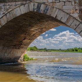 При стария мост