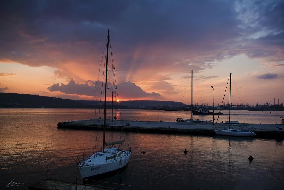 Boat line, Varna