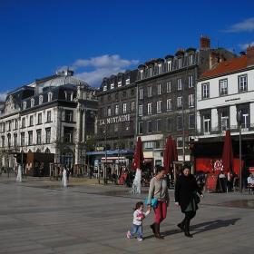 Площадът с фонтаните. :)