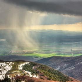 Слънце, дъжд и малко сняг