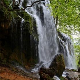 в сезона на водопадите - Варовитец
