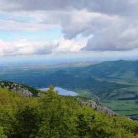 Изглед от връх Вола...