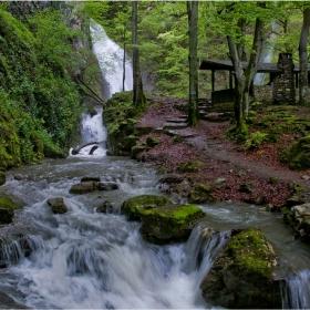 Сезона на водопадите