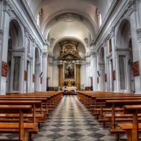 La Cattedrale di San Giacomo (12 exposure HDR)