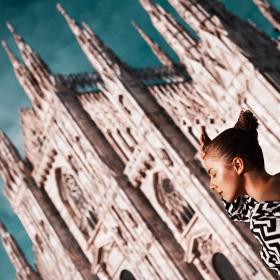 Duomo girl Video: https://vimeo.com/101163272